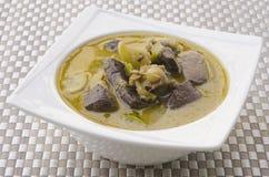 Зеленое карри свинины, тайская кухня Стоковые Изображения RF