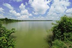 зеленое озеро стоковое фото rf