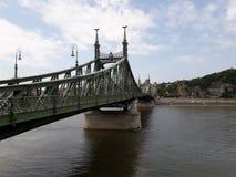 Зеленое река моста Стоковые Изображения