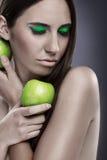 Зеленое яблоко и зеленый цвет составляют стоковые изображения rf