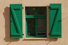 Зеленое Windows Стоковые Фото