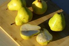 Зеленые груши Bartlett Стоковые Изображения