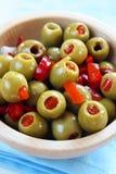 зеленые заполненные оливки Стоковые Изображения RF