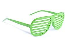 зеленые солнечные очки Стоковые Изображения