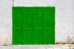 Зеленые стальные двери стоковое фото rf