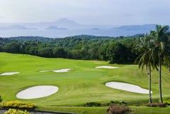 зеленые цвета гольфа стоковое фото rf
