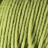 Зеленый желтый крупный план макроса шарика потока шерстей Стоковая Фотография