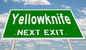 Зеленый знак шоссе для выхода Йеллоунайф следующего стоковые фотографии rf