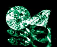 Зеленый самоцвет на черной предпосылке Стоковые Фото