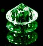 Зеленый самоцвет на черной предпосылке Стоковое Изображение RF