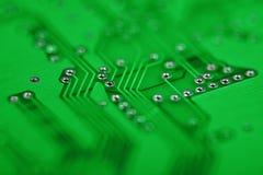 зеленый цвет абстрактных компонентов предпосылки электронный Стоковые Изображения RF