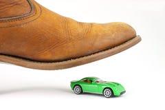 зеленый цвет автомобиля шагнутый к стоковые фото