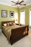 зеленый цвет вентилятора потолка спальни Стоковая Фотография RF