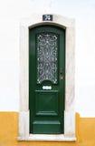 зеленый цвет двери стоковые фото