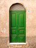 зеленый цвет двери Стоковые Изображения