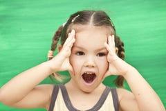 зеленый цвет девушки предпосылки Стоковые Изображения