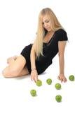 зеленый цвет девушки яблока Стоковое фото RF