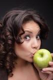 зеленый цвет девушки яблока Стоковые Изображения RF