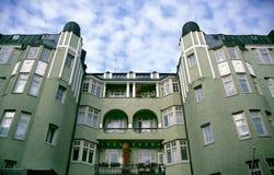 зеленый цвет здания apartement стоковые фотографии rf