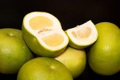 зеленый цвет плодоовощ предпосылки черный Стоковая Фотография RF