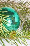 зеленый цвет рождества шарика Стоковое Изображение RF