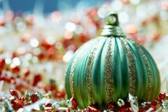 зеленый цвет рождества bauble Стоковое Фото