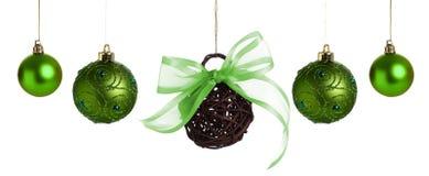 зеленый цвет рождества baubles стоковая фотография rf