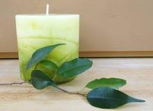 зеленый цвет свечки стоковая фотография