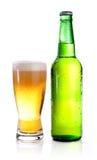 зеленый цвет стекла конденсации бутылки пива Стоковое Фото
