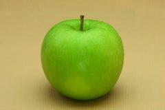 зеленый цвет яблока свежий стоковые изображения