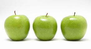 зеленый цвет 3 яблок свежий Стоковое Изображение RF