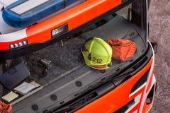 Зеленый шлем в пожарной машине Стоковое Изображение RF