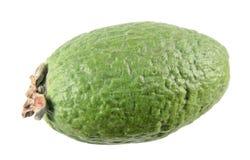 Зеленый unpeeled плодоовощ feijoa изолированный на белой предпосылке Стоковые Изображения RF