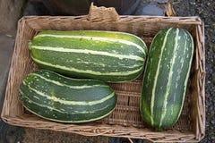 3 зеленых vegetable сердцевины в корзине Стоковые Изображения