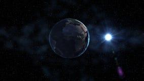 Земля восхода солнца реалистическая, вращая в космосе на фоне звёздного неба Безшовная петля с все время светами города бесплатная иллюстрация