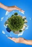 земля вручает сбережениа 2 Стоковое Изображение RF