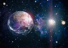 Земля и луна от космоса Весьма детальное изображение включая элементы поставленные NASA стоковые изображения rf