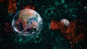 Земля и луна от космоса Весьма детальное изображение включая элементы поставленные NASA стоковая фотография