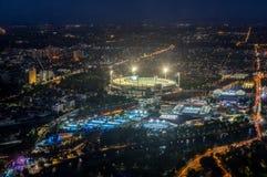 Земля и Yarra сверчка Мельбурна паркуют стадион тенниса загоренный на заходе солнца Стоковое Изображение RF