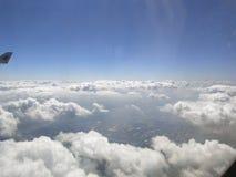 Земля под облаками стоковые изображения rf