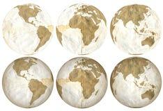 Земля сделанная из ухудшенных свободных листьев Стоковые Изображения RF