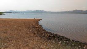 Земля Arial на реке и горе Стоковая Фотография RF