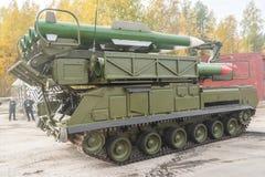 Земл ракетные комплексы Buk-M1-2 в движении Стоковое Изображение