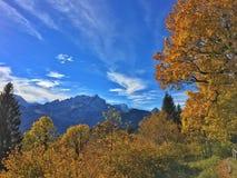 Земля Германии Werdenfelser горных вершин осени Стоковое Изображение