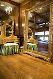 зеркало дрессера antique Стоковые Фотографии RF