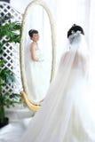 зеркало невесты стоковые изображения rf
