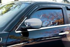 Зеркало роскошного черного автомобиля, Стоковое Изображение RF