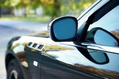 Зеркало роскошного черного автомобиля Стоковое Изображение RF