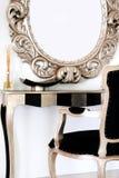 зеркало стола над малым Стоковая Фотография