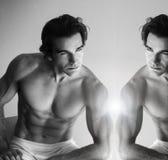 зеркало человека Стоковые Изображения RF